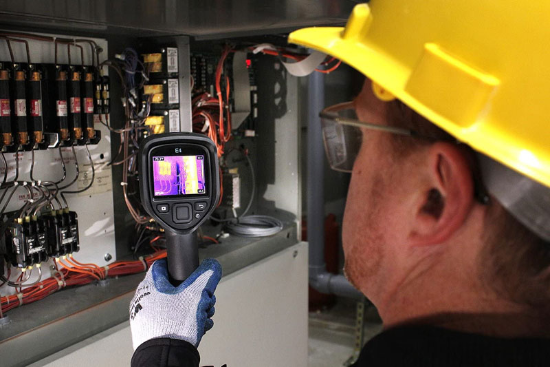 Louer une caméra thermique afin d'éviter les arrêts de production et les pannes coûteuses