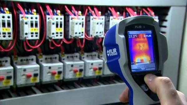 image de location caméra thermique pour contrôle électrique