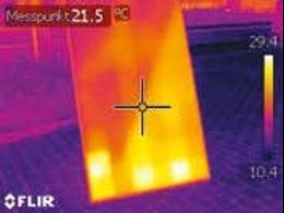 Les points chauds sont ici facilement visibles sur l'image thermique, même de face.
